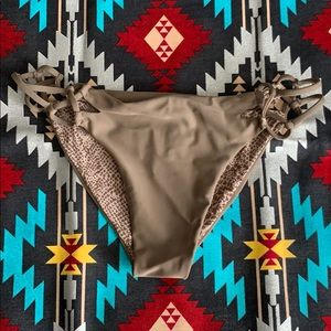 Acacia bikini bottom